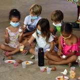 Niños en taller de Artesania