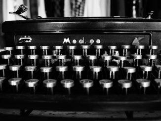 typewriter-1627197_960_720
