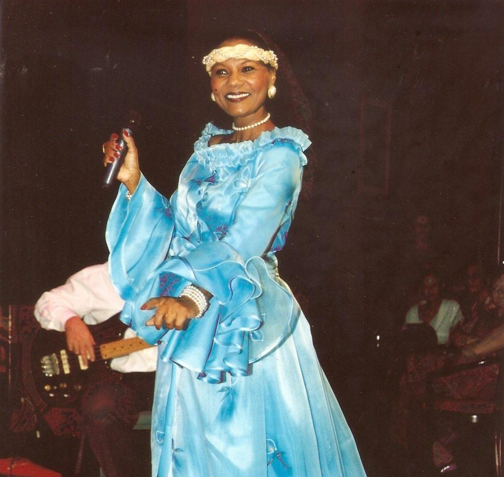 Winny Kaona C