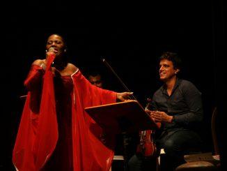"""Spectacle """"9 Poètes d'Îles entre Elles"""" avec des musiciens cubains au Memorial ACTe (2016)"""