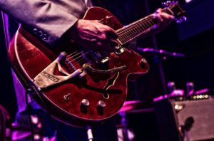 guitarist-2183265_960_720