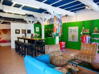 La galerie-café Art Ruche au 6 quai Layrle à Pointe-à-Pitre - Photo: Art Ruche