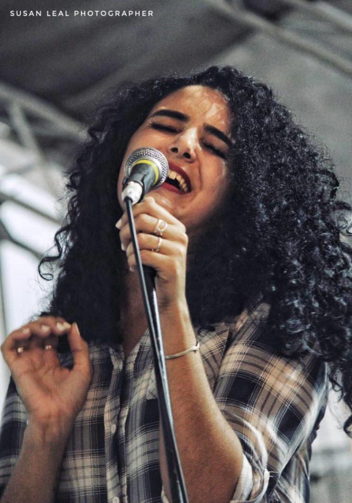 2-Camila Daniela