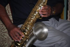 horn-player-176568_960_720
