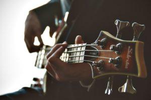 guitarist-1031087_960_720