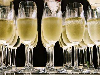 Les Guadeloupéens sont parmi les plus gros buveurs de champagne au monde.