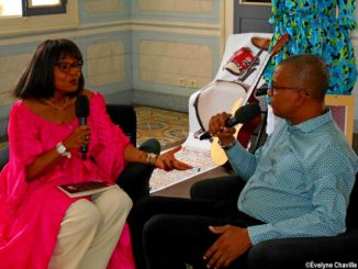 "Winny Kaona, the host of ""Moun a Bigin"", and Georges Brédent, the president of the Culture Committee at the Regional Council of Guadeloupe."