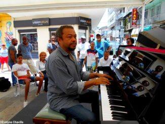 Festival Première Rencontre autour du Piano en 2018 à Pointe-à-Pitre (Guadeloupe) avec le pianiste martiniquais Mario Canonge - Photo: Évelyne Chaville